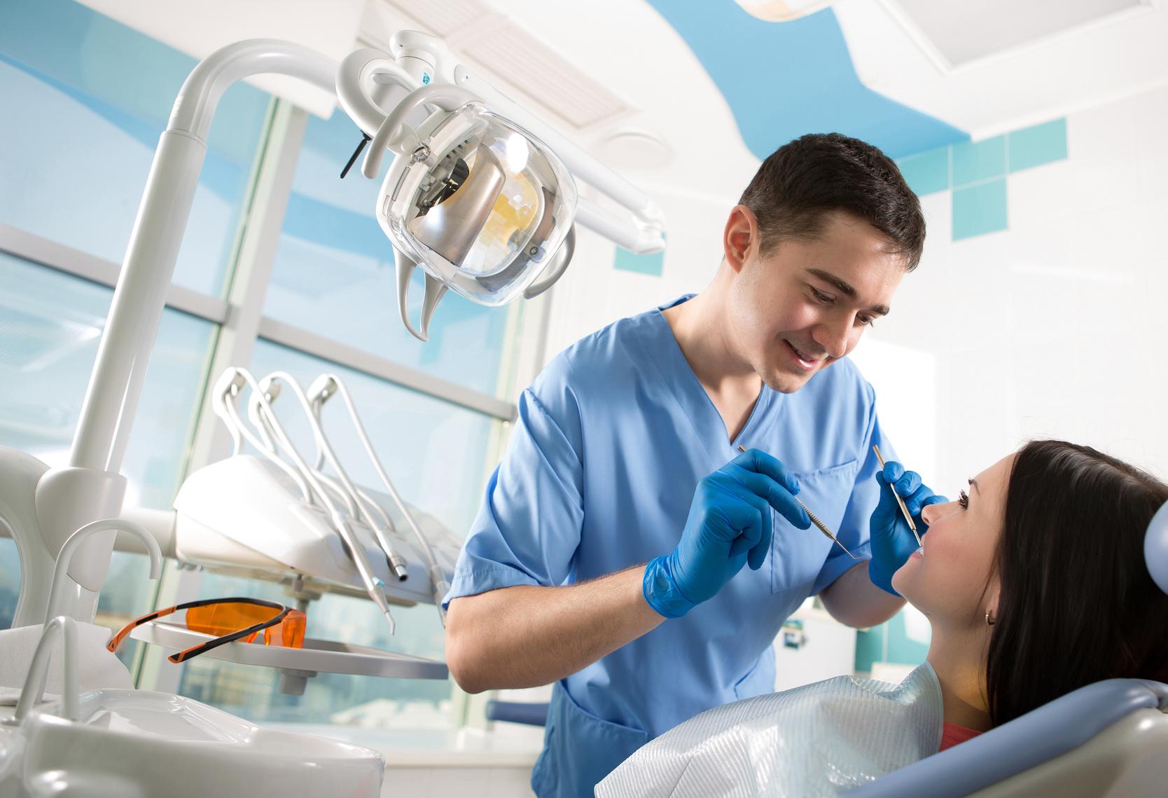 Parodontiste à Toulon Arthur Brincat